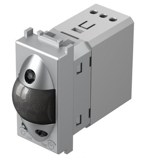 Інфрачервоний вимикач (датчик руху) 5А, 230В, 1 модуль, колір срібний металік EM31ES