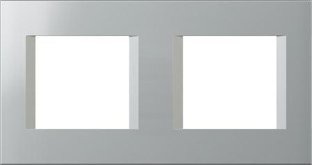Декоративна рамка пластикова колір срібний металік серія Line німецький стандарт 2х2 модуля OL24ES