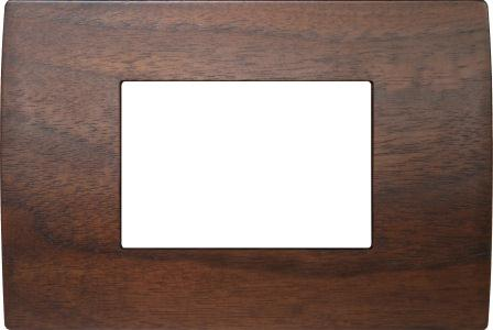 Декоративна рамка дерев'яна горіх серія PURE італійський стандарт 3 модуля OP30WW